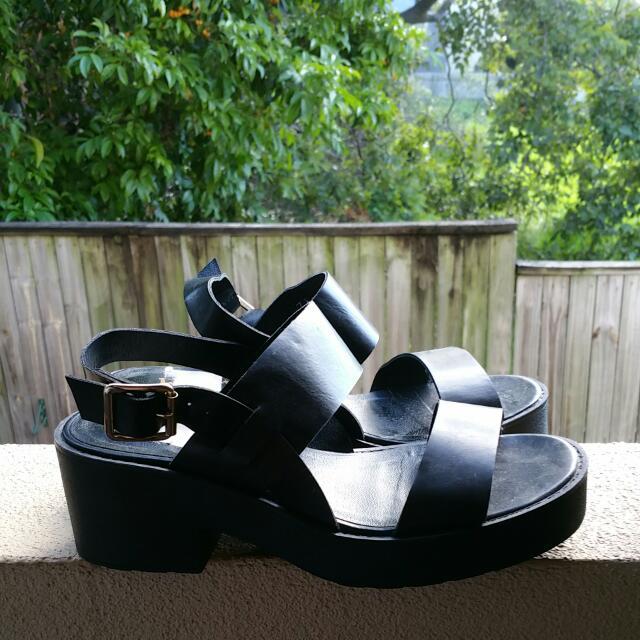 Lipstik Platform Shoes
