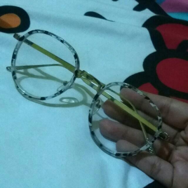 Linda Farrow Glasses
