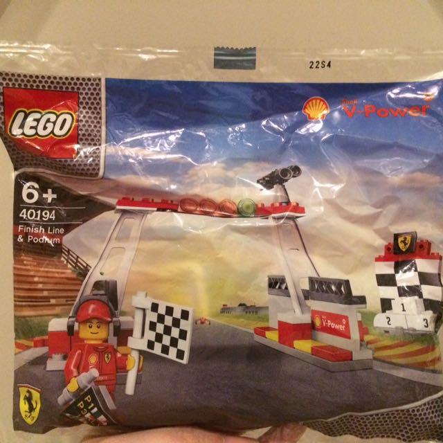 NEW: Lego Shell Finish Line & Podium