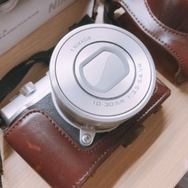 Nikon J5 類單眼 兩顆電池 兩個鏡頭 附皮套