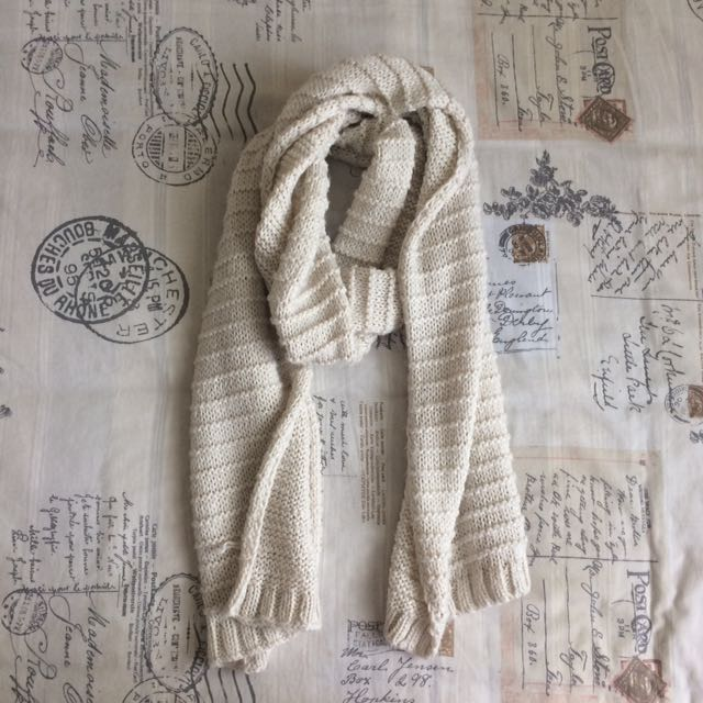 Off White Wool Knitted Chunky Winter Scarf