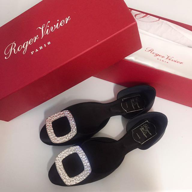 RV 水鑽緞面平底鞋