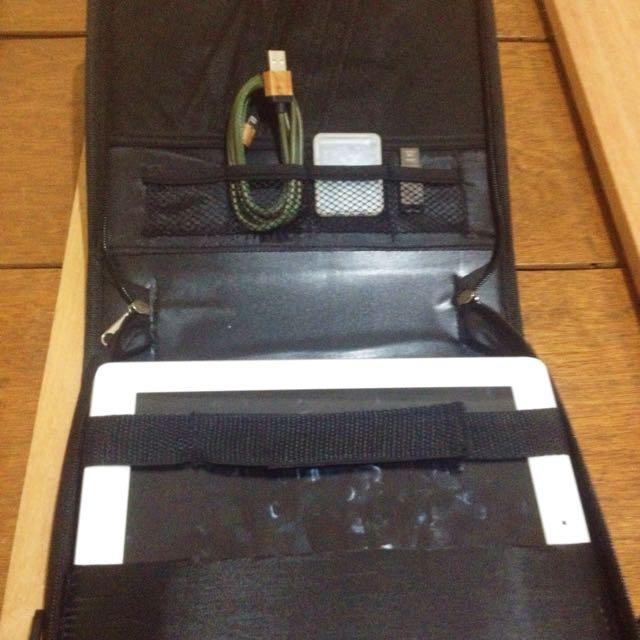 ‼️SALE‼️ Messenger/Netbook Bag From LOKKER (UK)