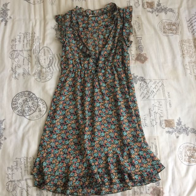 Vintage Look Frilly Floral Paisley Dress Size 8-10