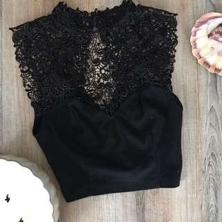 Urban Outfitters Crop Top Size Small