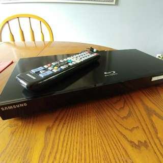 Samsung Blu-Ray DVD Player.