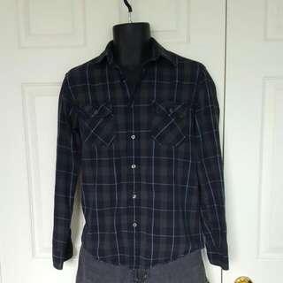 REDUCED Gap Grey & Black Button Up Shirt
