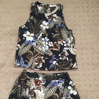 Don't Ask Amanda Floral Print Set Size Small
