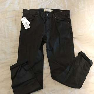 33 NWT Black Wash Deni