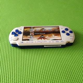 PSP 3000 (White with BLue and BLack)