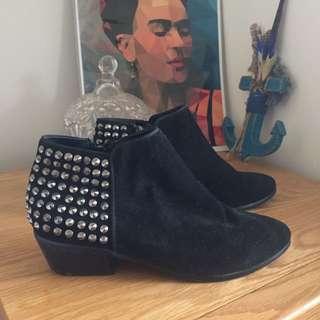 Old School Sportsgirl- Black Suede Studded Boots
