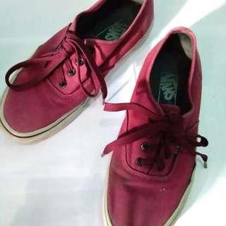 Vans Merah Maron
