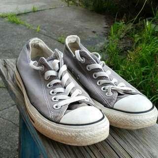 Grey Converse 7