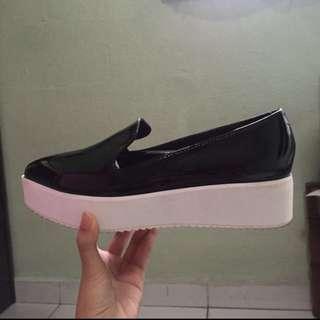 Edge Gina Pointy Flatforms / Platform Shoes #IDoTrades