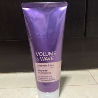 *PRICE LOWERED!* The Face Shop Volume and Wave Treatment Lotion