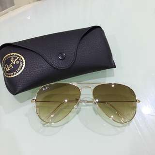 Unisex Ray-Ban Aviator Sunglasses (Black And Brown Lens)