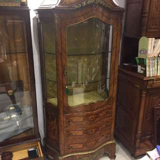 路易十六百年展示櫃