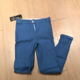 淺藍色長褲