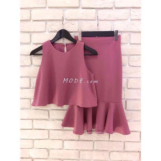 粉藕色套裝