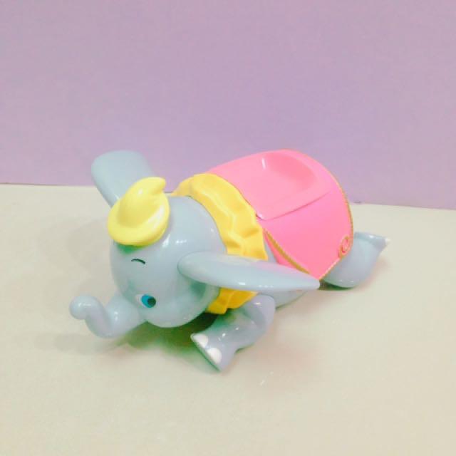 迪士尼小飛象公仔