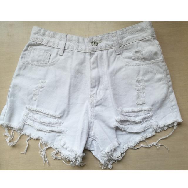 白色 刷破牛仔短褲#兩百元短褲
