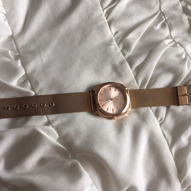 AE ROSE GOLD WATCH