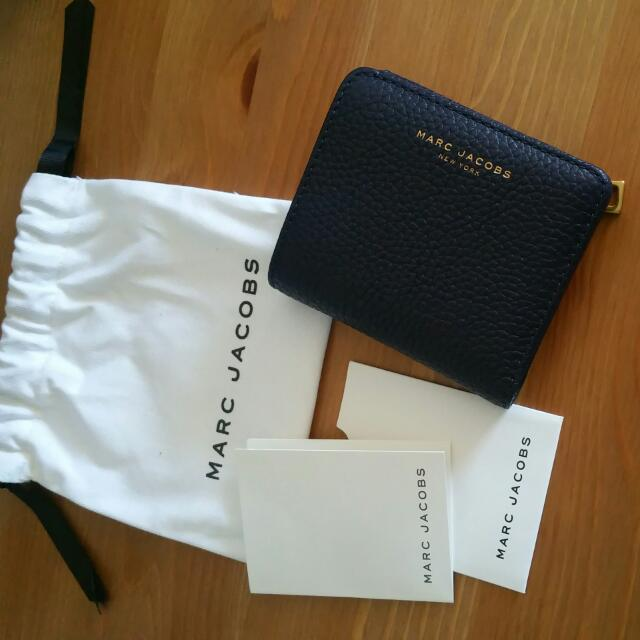 AUTH MARC JACOBS Blue Leather Wallet