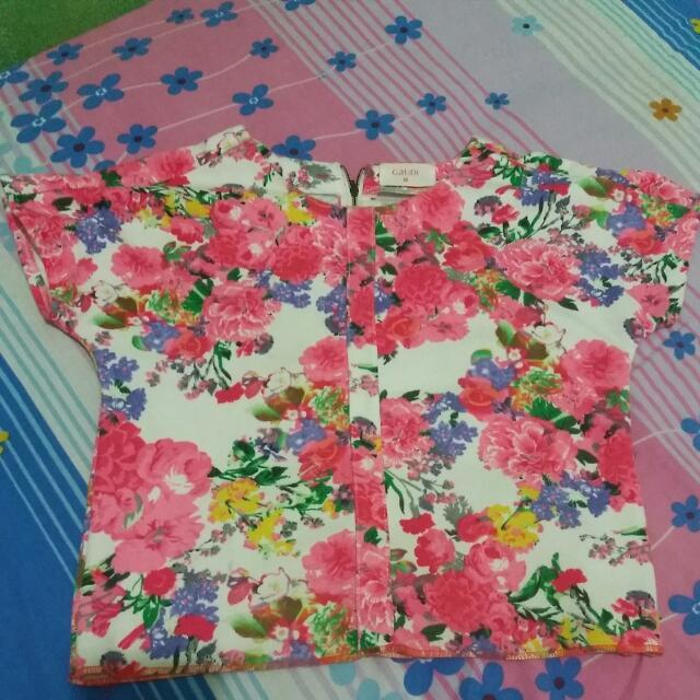 Baju Bunga Gaudi