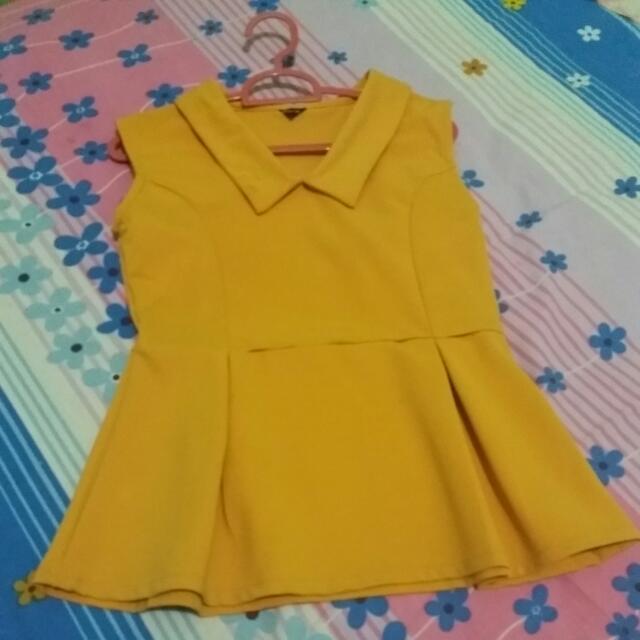 Baju Kuning Chibi