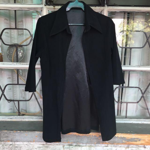 Black Coat/Semi Trench w/o Button 🖤