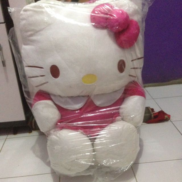 boneka hello kitty besar