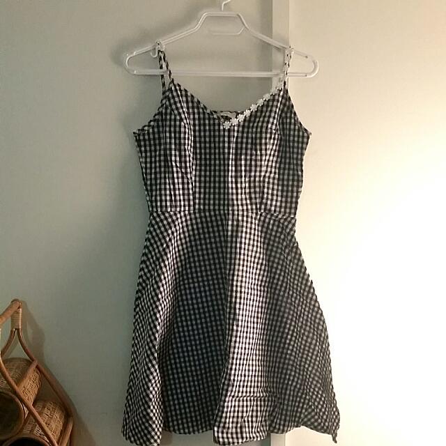 Daisy Picnic Dress
