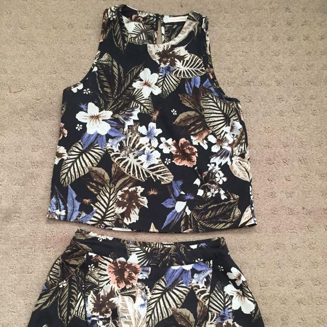 Don't Ask Amanda Floral Print Set Size Small