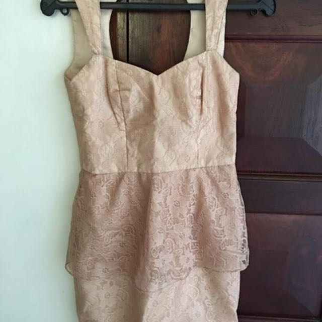 Lace-y Peach Graduation Dress