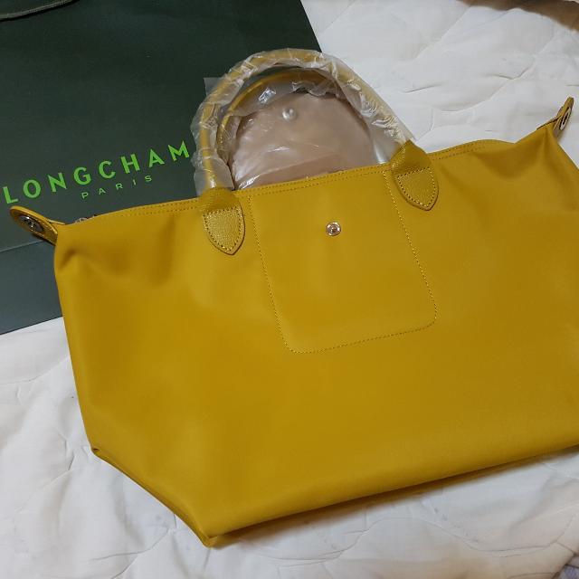 cd702677cad2 Longchamp Neo Sling Bag- Medium Size!