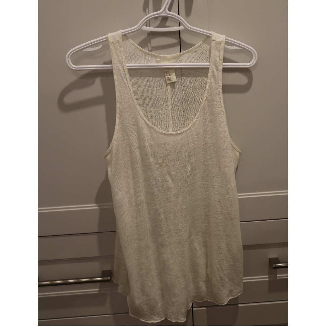 low-neck casual tank