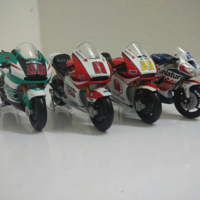 Malaysia Motogp Rider Custom Bike Diecast Model, Toys & Games, Others on Carousell