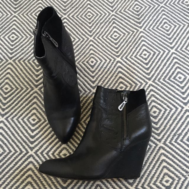Mimco Black Leather Boots