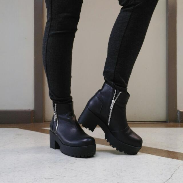 SALE!!!  REPRICED Original Flat Platform Ankle Boots with Zip (Leather) Made By PUZZLE