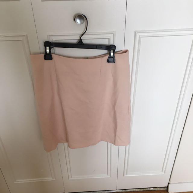 Pink Mini Skirt Size 4/6 (U.K. Size 8)