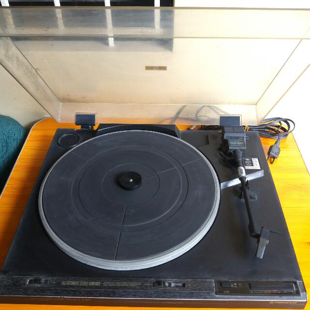 PIONEER Full-Automatic Stereo Turntable PL-570
