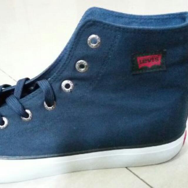 Sepatu Levi's