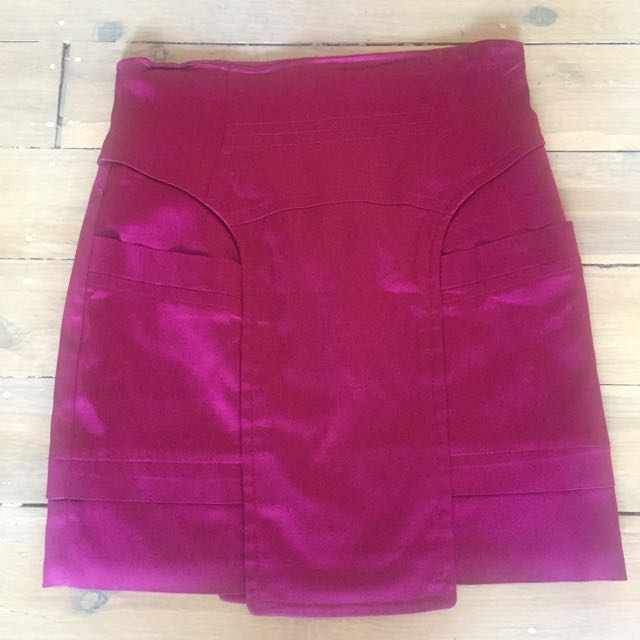 Size 8 CUE Magenta Mini Skirt