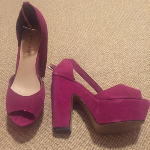 Size 9 ALIAS Mae Pink Suede Heels