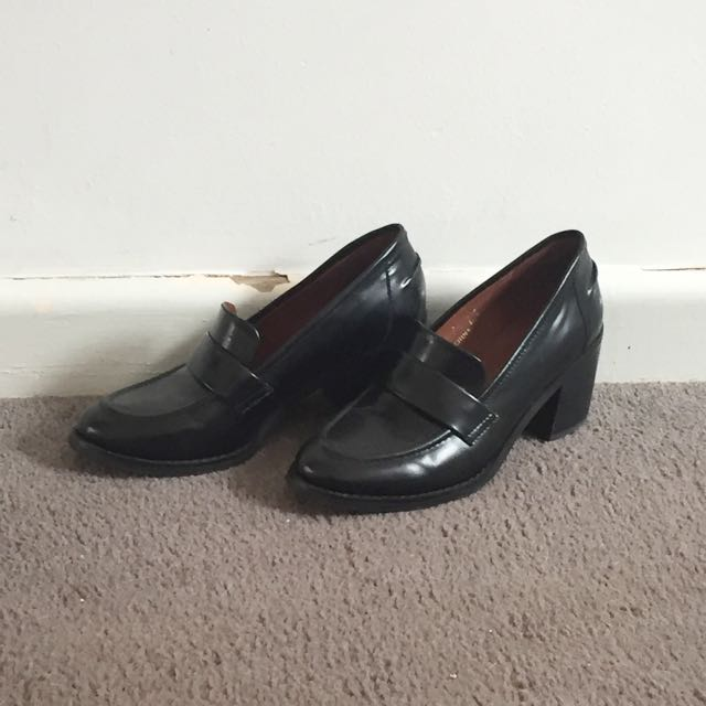 Staccato Loafer Heel