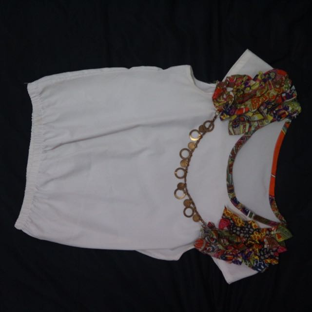 White Chain top