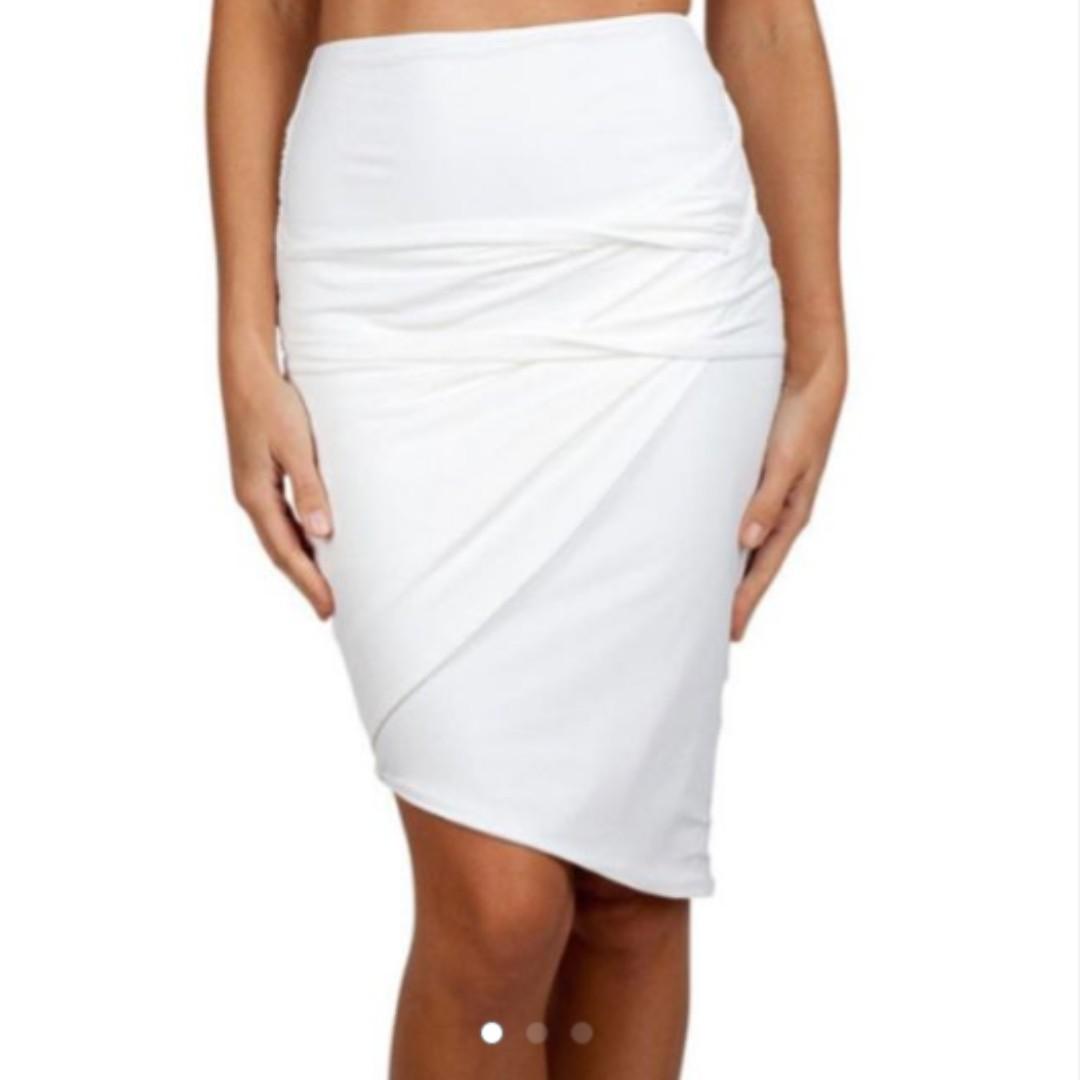 3966e7c5d5 White Kookai Bandage Skirt (Size 2), Women's Fashion, Clothes on Carousell