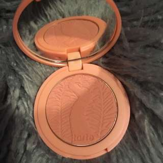 Tarte blush: Captivating (peach Colour)