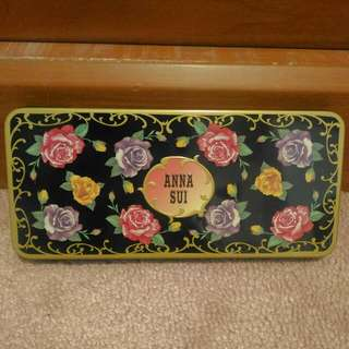 Anna Sui Tin Box Eyeshadow Palette