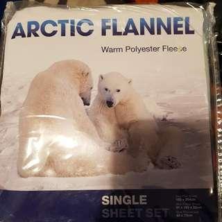 ARCTIC FLEECES SINGLE SHEET SET NEVER USED